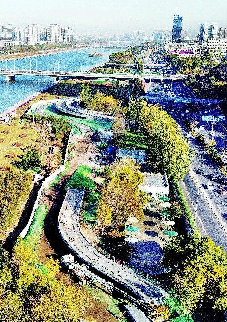 滨河自行车专用道高架骑行段初现雏形